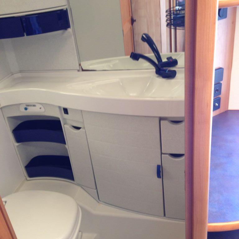rulota eriba nova 491 c hymer de vanzare la. Black Bedroom Furniture Sets. Home Design Ideas
